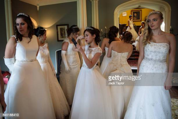 Debutantes prepare to leave Boughton Monchelsea Place ahead of the Queen Charlotte's Ball on September 9 2017 in Maidstone England In 1780 the first...