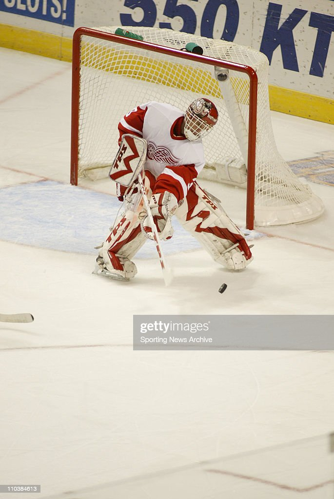 Dec 05 2006 St Louis MO USA The Detroit Red Wings DOMINIK HASEK against the St Louis Blues at the ScottTrade Center The Red Wings won 51