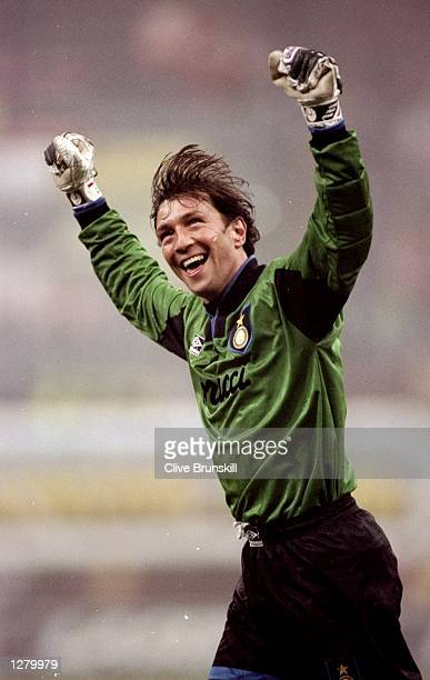 Inter Milan goalkeeper Walter Zenga celebrates during the UEFA Cup third round second leg match against Norwich City at the Giuseppe Meazza Stadium...