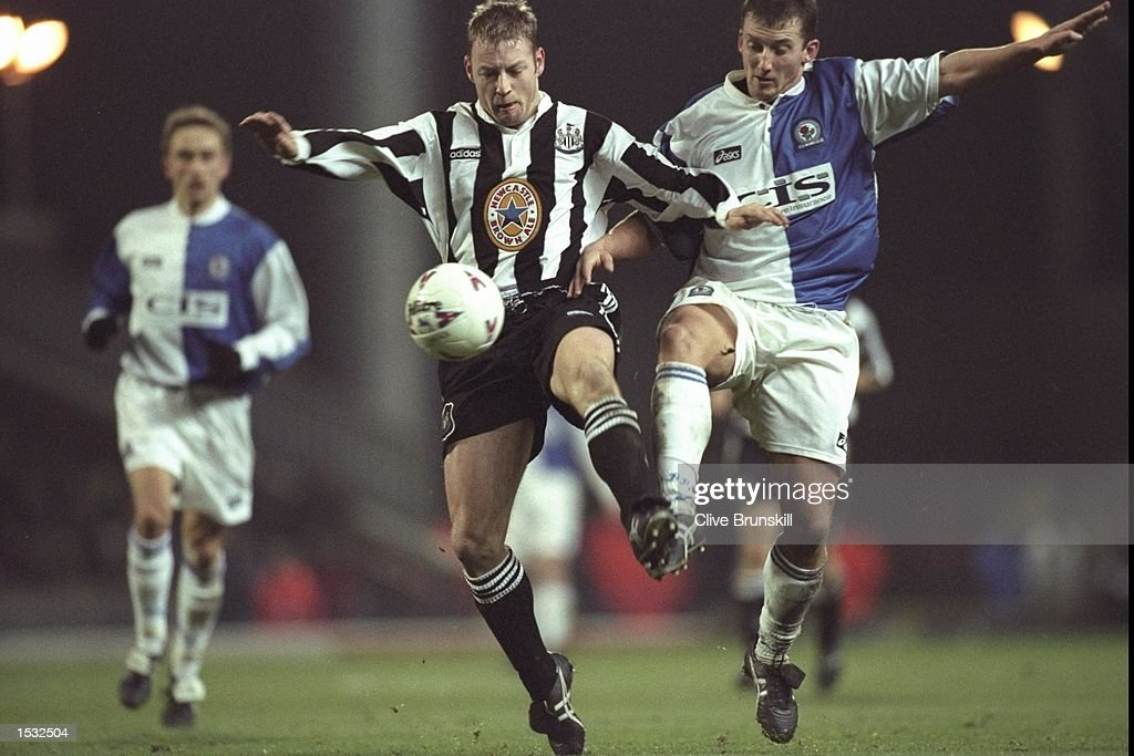 David Batty of Newcastle is challenged by Billy McKinlay of Blackburn in the Premier League match at Ewood Park, Blackburn. Blackburn won 1-0. Mandatory Credit: Clive Brunskill/Allsport