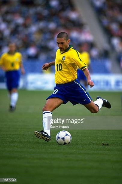 Leonardo of Brazil in action during the Confederation Cup match against the Czech Republic in Riyadh Saudi Arabia Brazil won the match 20 Mandatory...