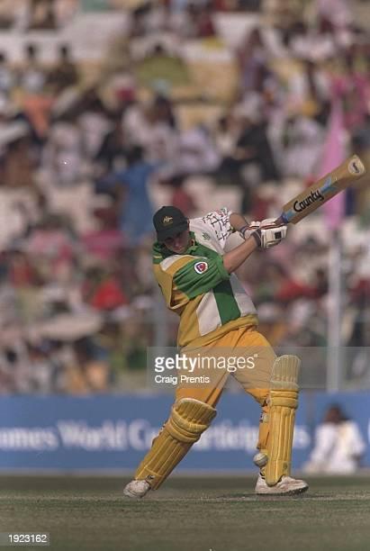 Michelle Gosko of Australia batting during the Women's Cricket World Cup Final against New Zealand at Eden Gardens in Calcutta India Australia won...