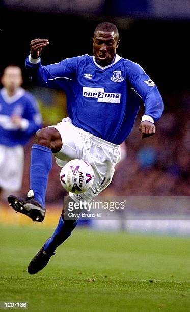 Kevin Campbell of Everton on the ball during the FA Carling Premiership match against Sunderland at Goodison Park in Liverpool England Everton won 50...