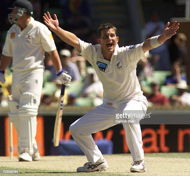 Shane Bond of New Zealand unsuccessfully appeals for LBW against Shane Warne of Australia during day three of the Third Test between Australia and...