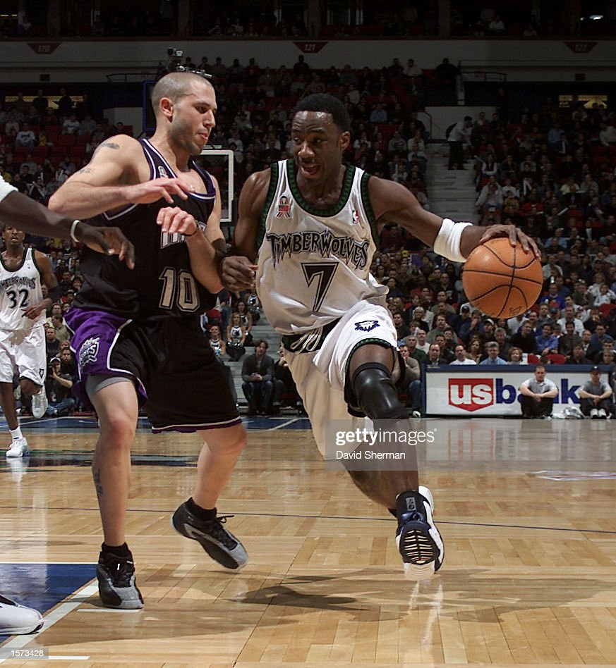 Terrell Brandon 7 of the Minnesota Timberwolves drives to the