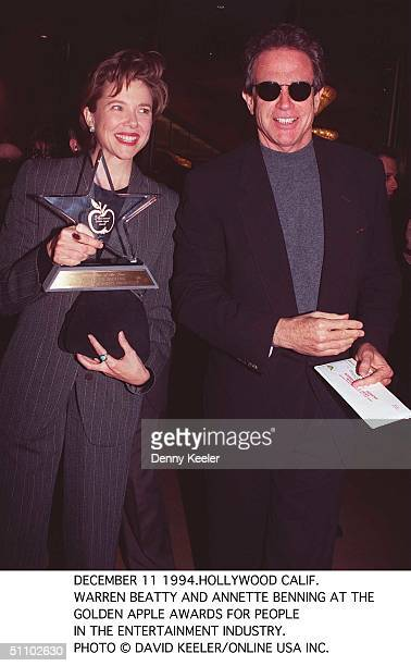 December 11 1994Hollywood Calif Warren Beatty And Annette Bening At The Golden Apple Awards