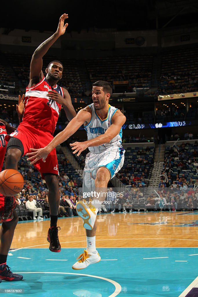 Greivis Vasquez #21 of the New Orleans Hornets passes the ball against the Washington Wizards on December 11, 2012 at the New Orleans Arena in New Orleans, Louisiana.