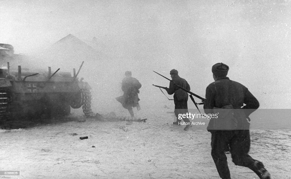 Red Army men break into a populated area northwest of Stalingrad The Nazis had penetrated the city in September but the Russians counterattacked in a...