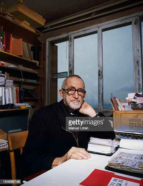 December 1985 CharentonlePont face plane of the Abbe Pierre sitting at his office