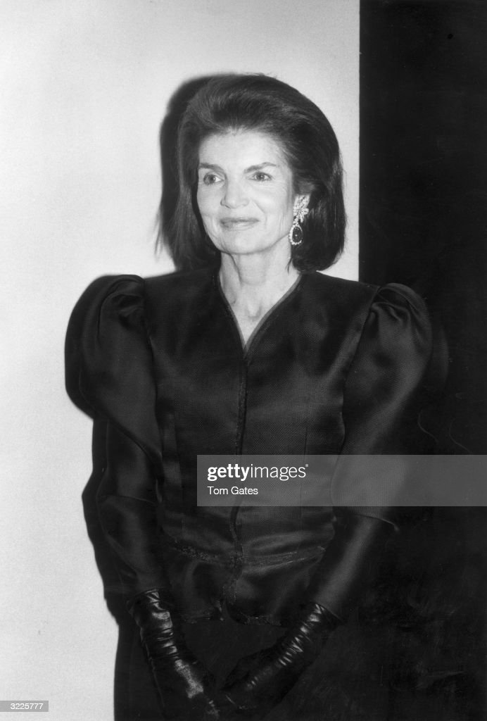 a comparison of characteristics between lady macbeth and jacqueline kennedy onassis Short comparison of chivalry and bushido as it added balance to the warrior character of the five interesting facts about jacqueline kennedy onassis that.