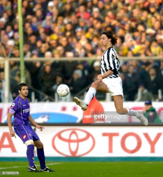 04 December 2005 Zlatan Ibrahimovic of Juventus in action during the 14th Serie A round league match played between Fiorentina and Juventus Turin at...