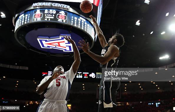 Gonzaga Bulldogs guard Byron Wesley shoots over Arizona Wildcats forward Stanley Johnson during the second half of the college basketball game...