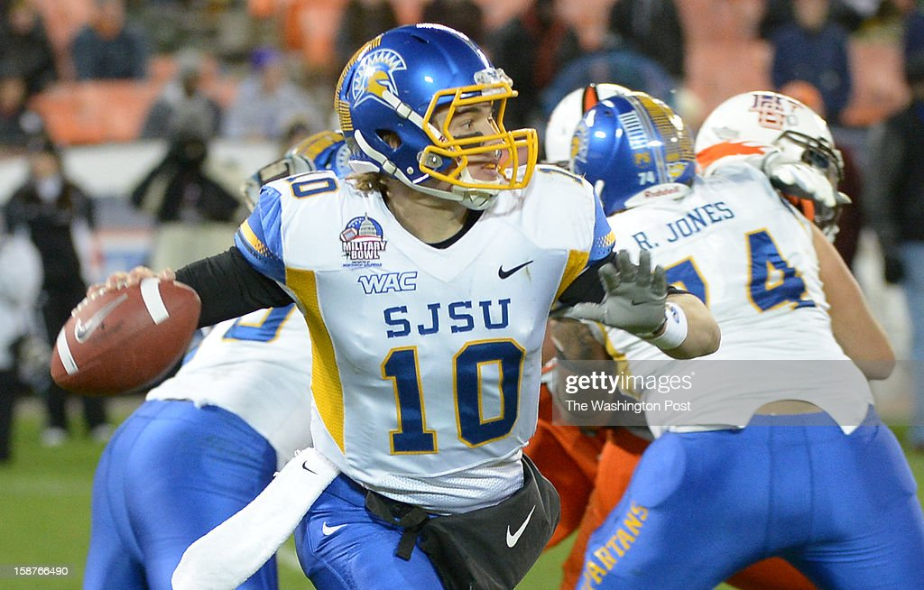 San Jose State quarterback David Fales (10) rolls out during 4th quarter action against Bowling Green on December 27, 2012 in Washington, DC