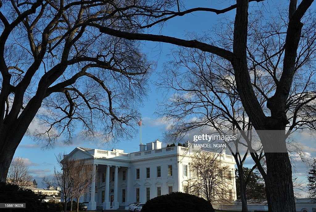 A December 30, 2012 photo shows the White House in afternoon light in Washington, DC. Last minute talks stalled Sunday between top US political leaders aimed at averting a fiscal calamity due to hit within hours, as Democrats and Republicans blamed each other for a lack of progress. AFP PHOTO/Mandel NGAN