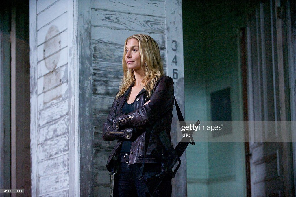 REVOLUTION -- 'Declaration of Independence' Episode 222 -- Pictured: <a gi-track='captionPersonalityLinkClicked' href=/galleries/search?phrase=Elizabeth+Mitchell&family=editorial&specificpeople=2436267 ng-click='$event.stopPropagation()'>Elizabeth Mitchell</a> as Rachel Matheson --