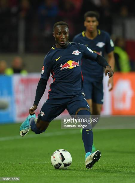 Deco Naby Keita of Leipzig controls the ball during the Bundesliga match between 1 FSV Mainz 05 and RB Leipzig at Opel Arena on April 5 2017 in Mainz...
