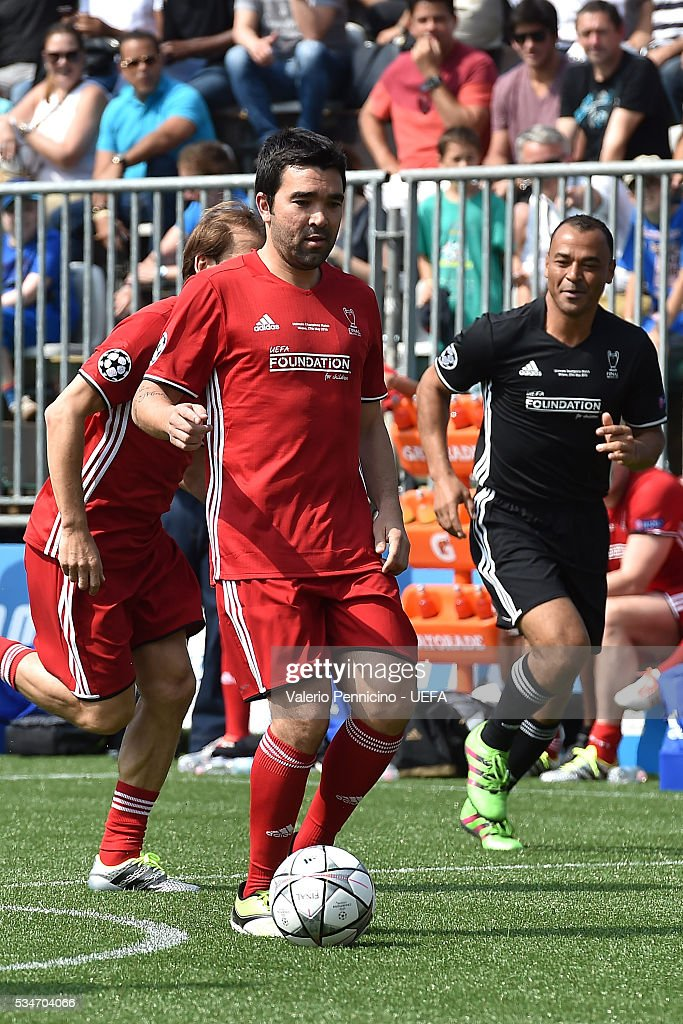 Deco of World All-Stars in action during the Ultimate Champions Match between Milan & Inter Legends and World All-Stars during the Champions Festival prior to the final at Stadio Giuseppe Meazza on May 27, 2016 in Milan, Italy.