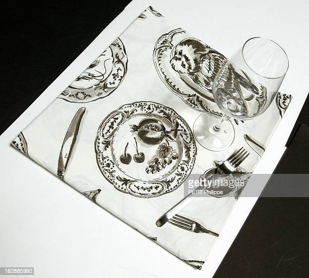 The Big Illusion Une nappe imprimée de couverts Chenonceaux de Beauvillé ressemblant à une table déjà dressée