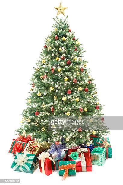 の装飾クリスマスツリーとギフト白で分離