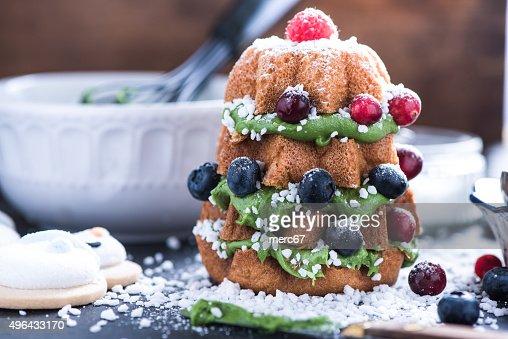 Decoracion Arbol De Navidad De Pastel De Frutas Foto De Stock