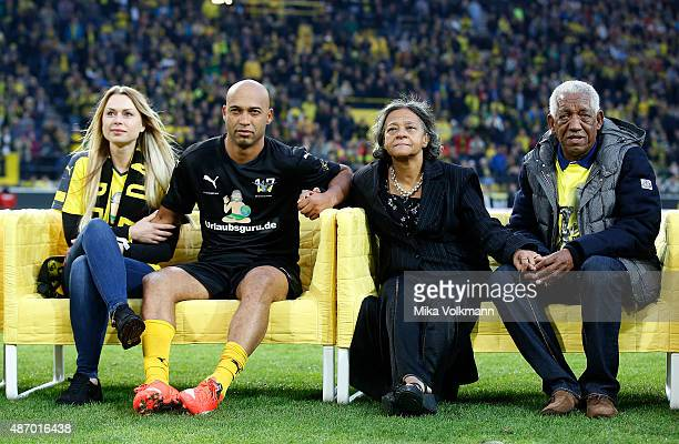 Dede and his family after the farewell match of Dede at Signal Iduna Park on September 5 2015 in Dortmund Germany