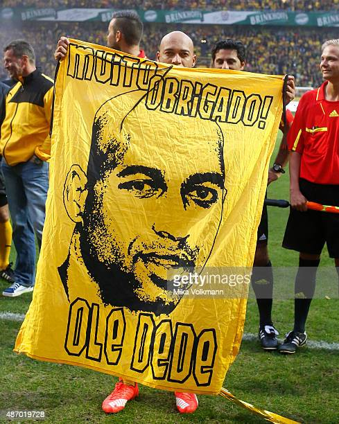 Dede thanks the fans during the Dede's farewell match at Signal Iduna Park on September 5 2015 in Dortmund Germany