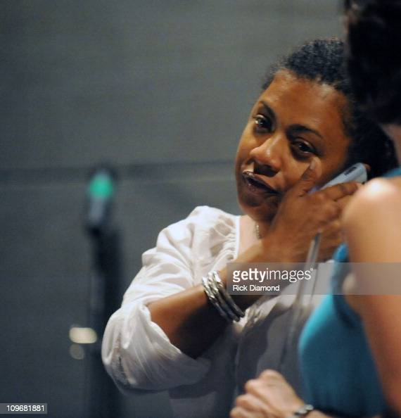 ... Murray at The <b>Atlanta Chapter</b> of The Recording Academy hosts A Town Hall ... - dee-dee-murray-at-the-atlanta-chapter-of-the-recording-academy-hosts-picture-id109681881?s=594x594