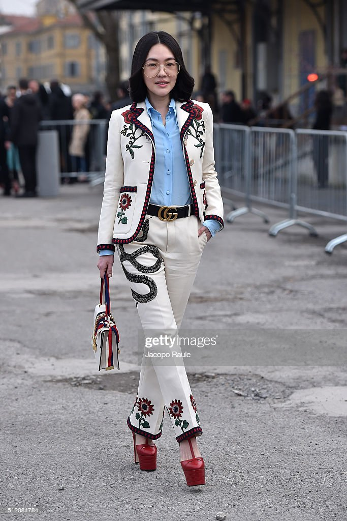 <a gi-track='captionPersonalityLinkClicked' href=/galleries/search?phrase=Dee+Hsu&family=editorial&specificpeople=4238913 ng-click='$event.stopPropagation()'>Dee Hsu</a> arrives at the Gucci show during Milan Fashion Week Fall/Winter 2016/17 on February 24, 2016 in Milan, Italy.