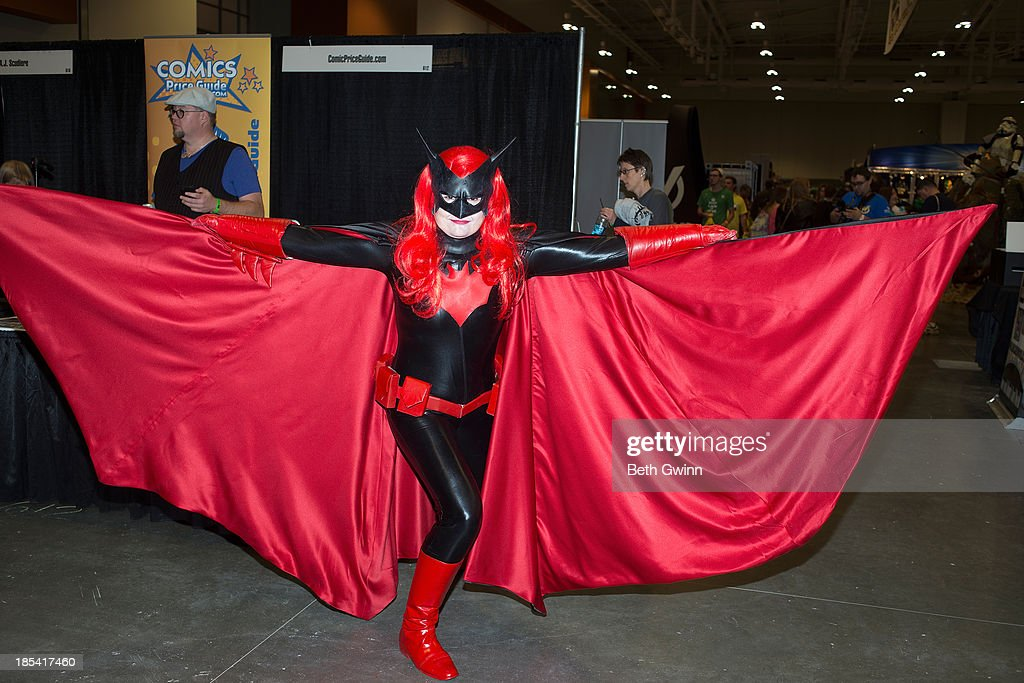 Dee Volpe as Batwoman attends Nashville Comic Con 2013 at Music City Center on October 19, 2013 in Nashville, Tennessee.