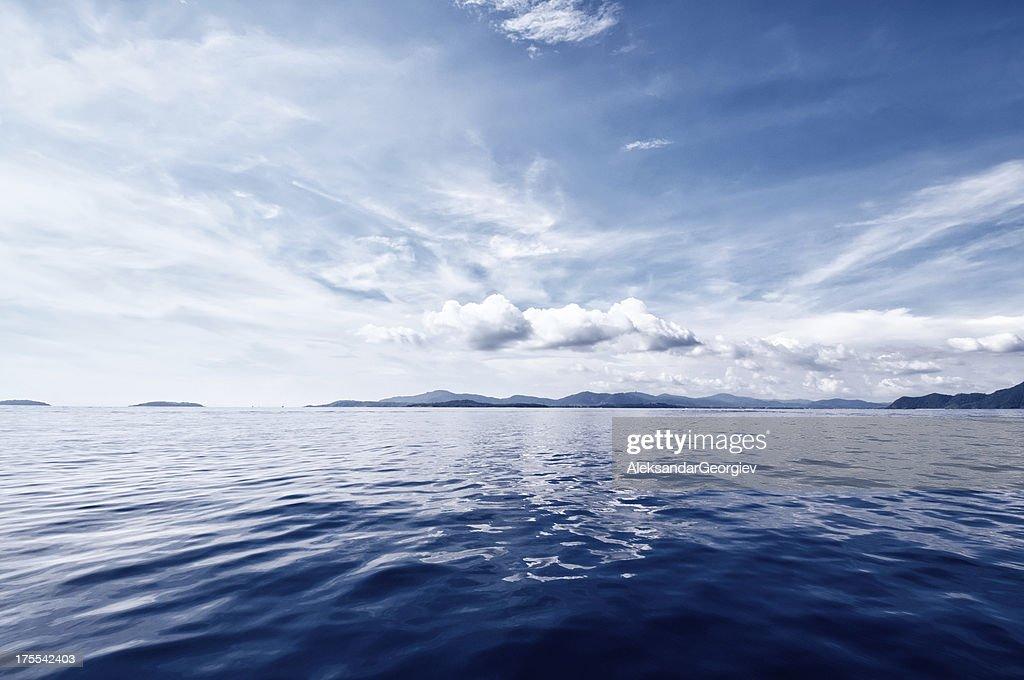 Deep Blue Ocean : Stock Photo