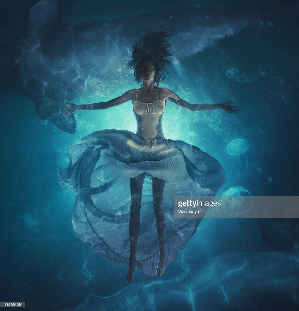 deep dreams in ocean