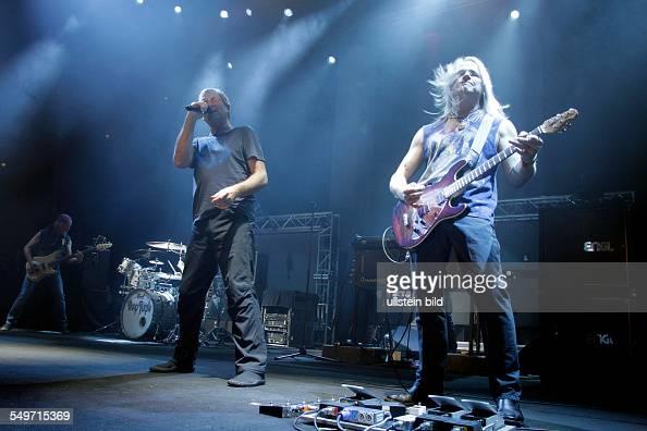 Deep Purple Konzert Bassist Roger Glover Sänger Ian Gillan Steve Morse Auftritt LanxessArena Köln