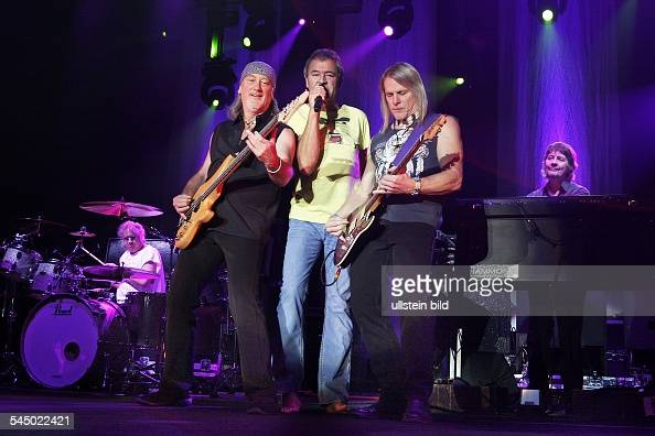 Deep Purple Music Group Rock music UK From left Ian Paice Roger Glover Ian Gillan Steve Morse Don Airey performing in Berlin Germany MaxSchmelingHalle