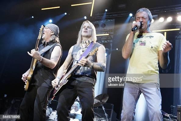 Deep Purple Music Group Rock music UK From left Roger Glover Steve Morse Ian Gillan performing in Berlin Germany MaxSchmelingHalle