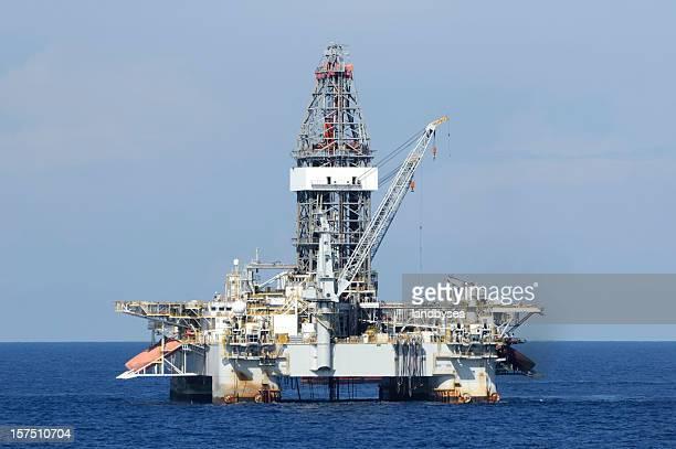 Deep water off shore olio rig