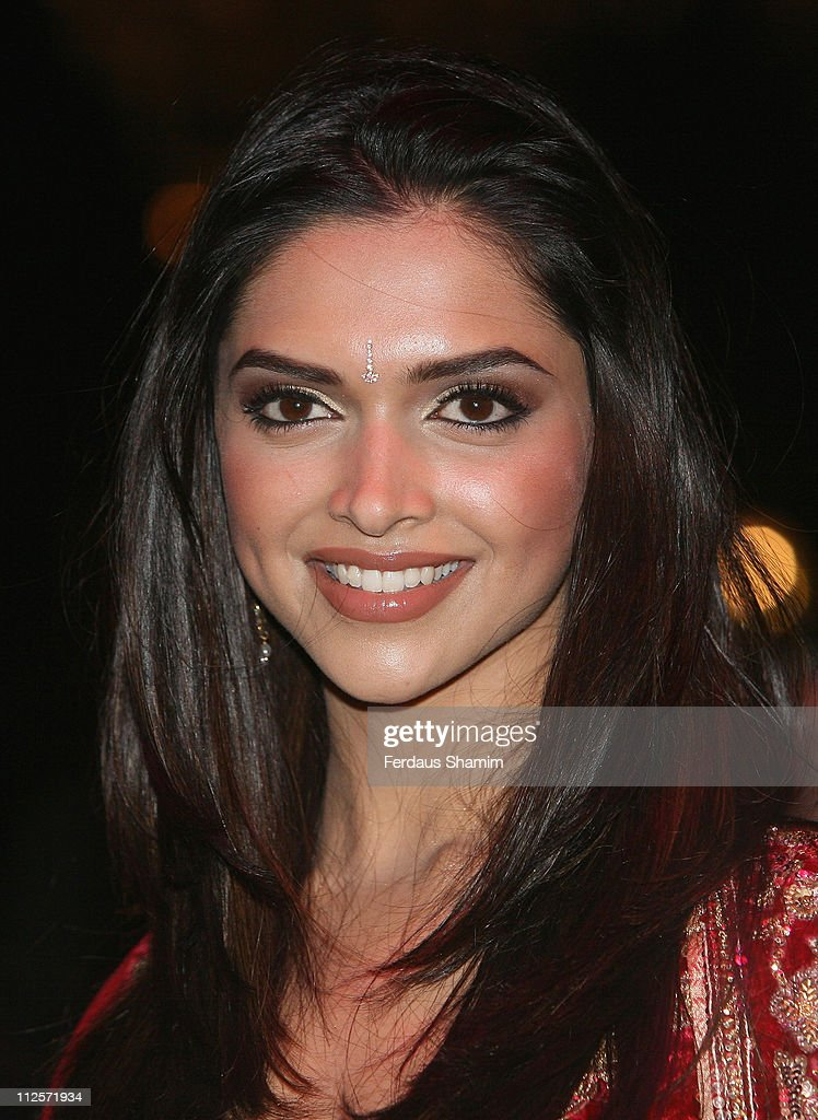 <a gi-track='captionPersonalityLinkClicked' href=/galleries/search?phrase=Deepika+Padukone&family=editorial&specificpeople=869186 ng-click='$event.stopPropagation()'>Deepika Padukone</a> attends the World Premiere of 'Om Shanti Om' at the Empire Leicester Square on November 8, 2007 in London.