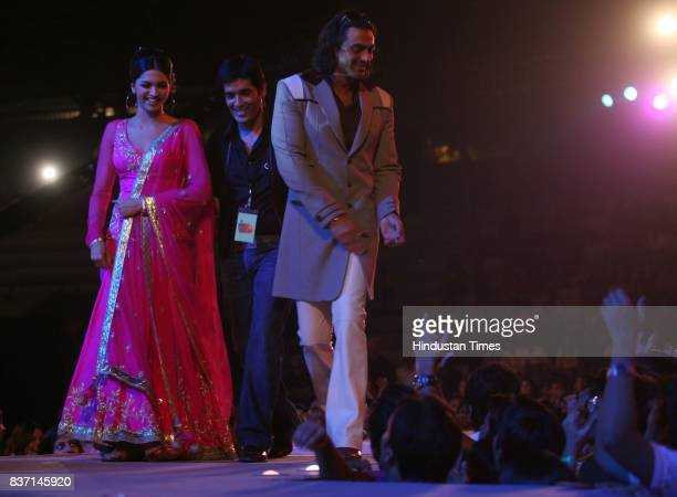 Deepika Padukone Manish Malhotra and Arjun Rampal during Lycra MTV Style Awards at Andheri Sports Complex