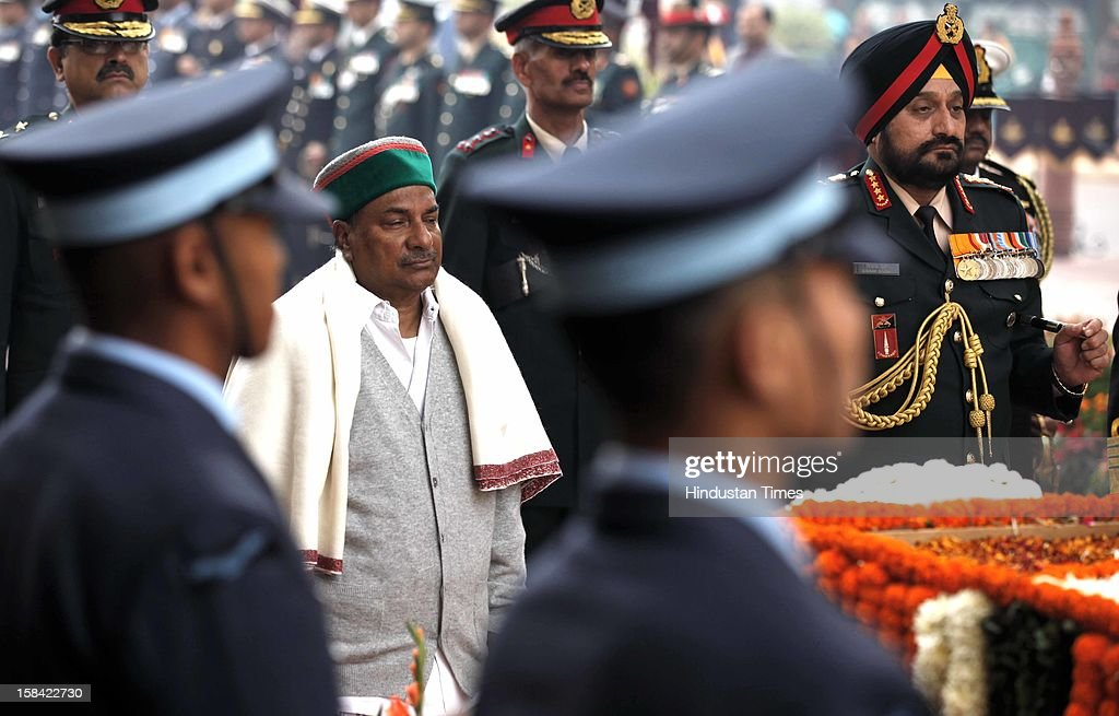 Defence Minister A K Antony and three services chief, Chief of Army Staff Gen Bikram Singh, Chief of Naval Staff Admiral DK Joshi and Chief of Air Staff Air Chief Marshal Nak Browne paying homage to the Martyrs of 1971 war at India Gate on December 16, 2012 in New Delhi, India.