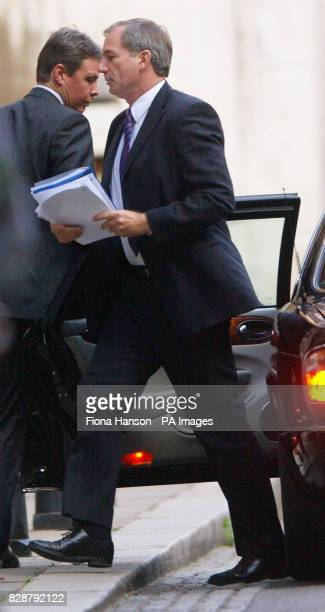 Defence Secretary Geoff Hoon arrives at the High Court London to face the Hutton Inquiry The Secretary of State can expect an even tougher grilling...