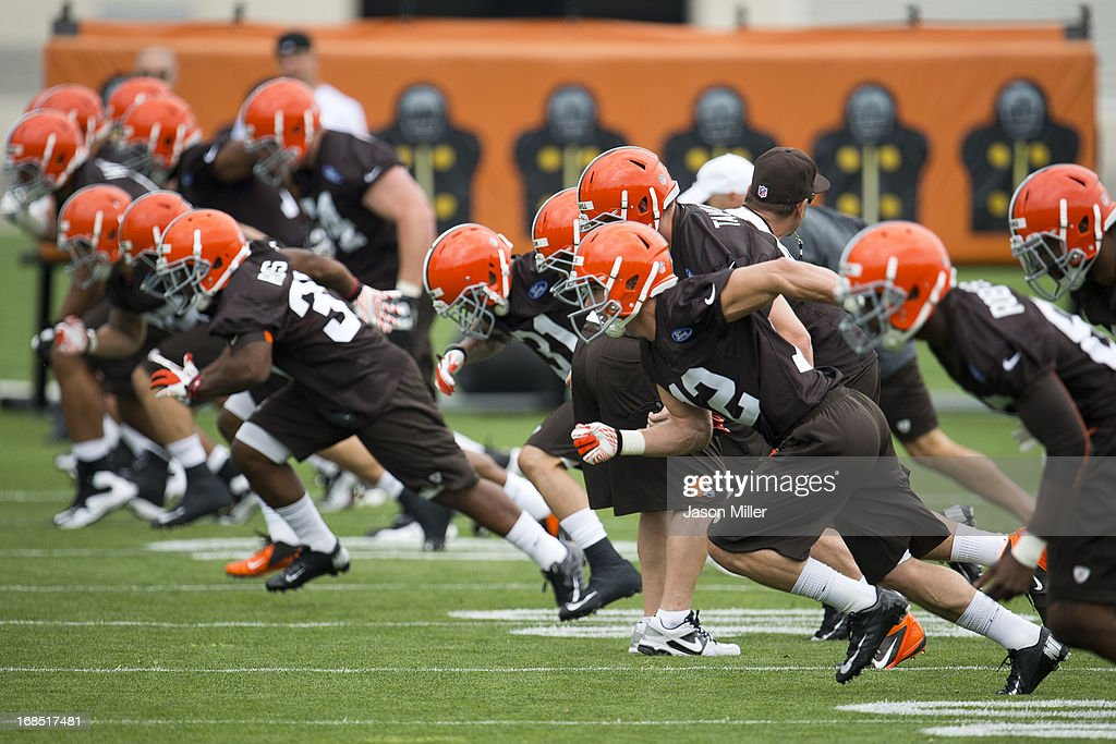 Defenders run through drills during rookie camp at the Cleveland Browns Training facility on May 10, 2013 in Cleveland, Ohio.