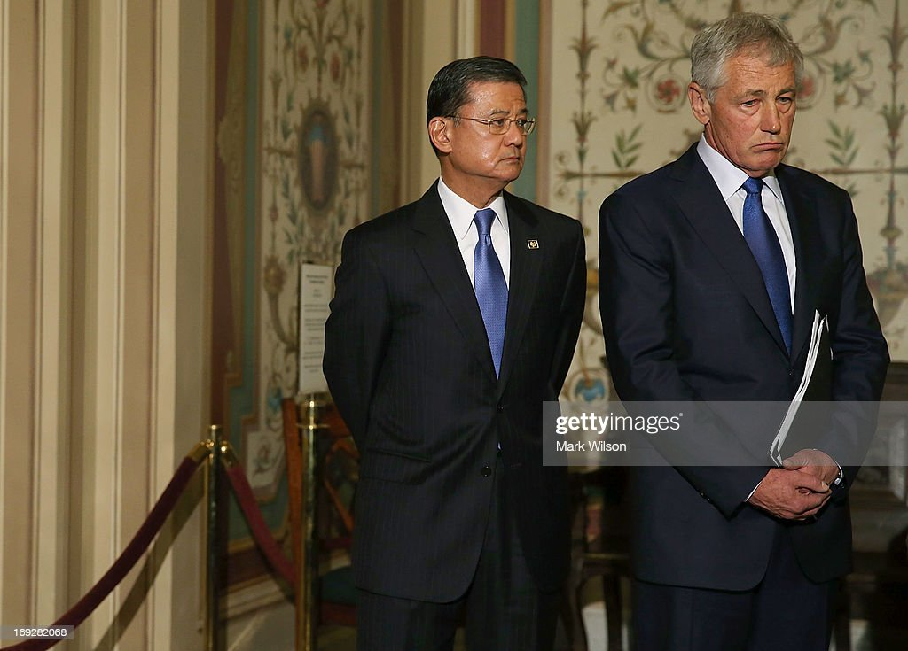 Defense Secretary Chuck Hagel (R) and VA Secretary Eric Shinseki (L), attend a news conference on Capitol Hill May 22, 2013 in Washington DC. The news conference was held to provide an update on efforts to eliminate the Veterans Affairs Department claims backlog.
