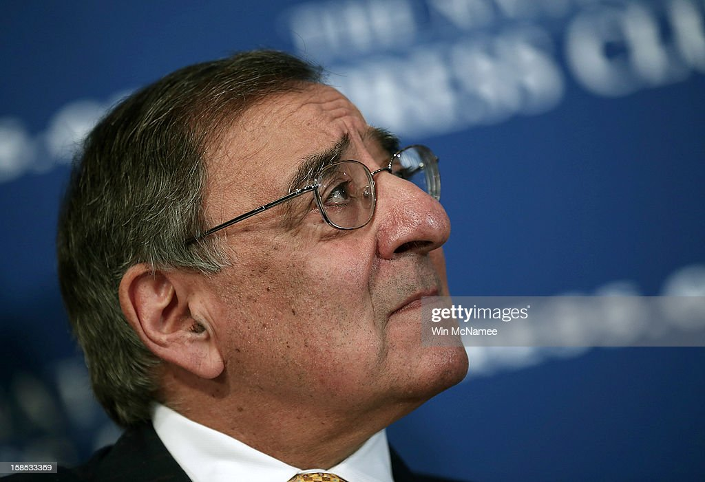 U.S. Defense Secretary Leon Panetta speaks at the National Press Club December 18, 2012 in - defense-secretary-leon-panetta-speaks-at-the-national-press-club-18-picture-id158533369
