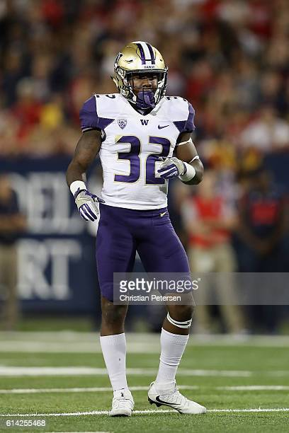Defensive back Budda Baker of the Washington Huskies during the college football game against the Arizona Wildcats at Arizona Stadium on September 24...