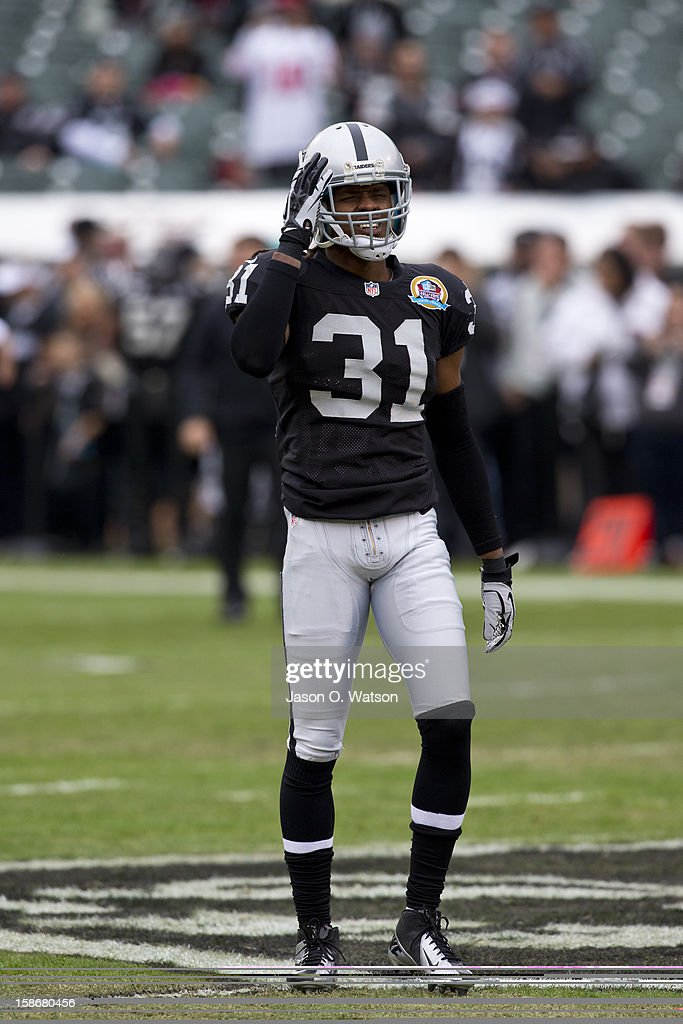 Defensive back Coye Francies #31 of the Oakland Raiders warms up before the game against the Kansas City Chiefs at O.co Coliseum on December 16, 2012 in Oakland, California. The Oakland Raiders defeated the Kansas City Chiefs 15-0. Photo by Jason O. Watson/Getty Images)