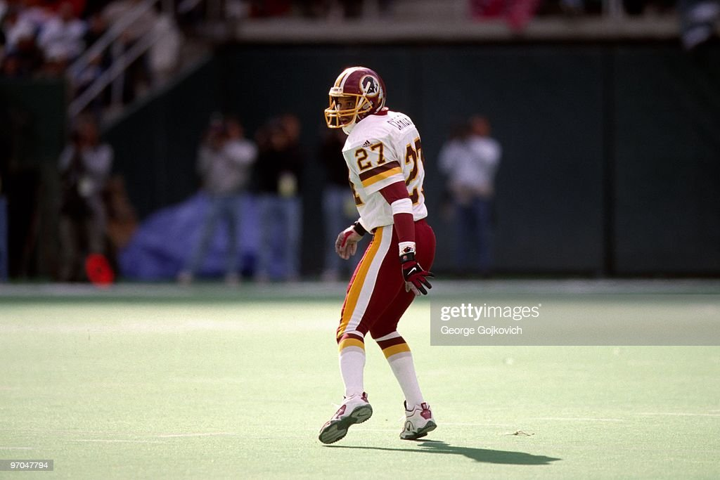 Redskins Mark Carrier : News Photo