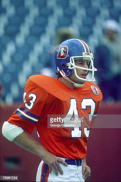 Defensive back Steve Foley of the Denver Broncos on the field before a game against the Buffalo Bills at Rich Stadium on October 21 1984 in Orchard...
