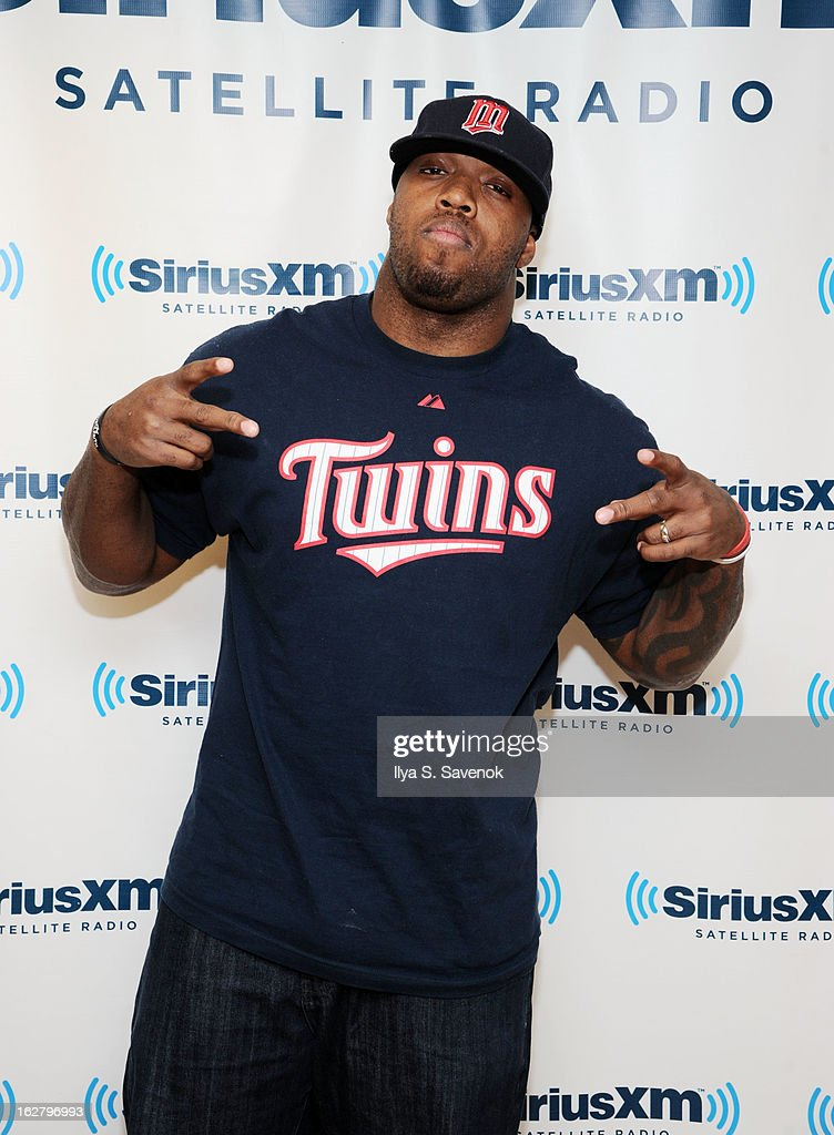 Defensive end for the Baltimore Ravens, <a gi-track='captionPersonalityLinkClicked' href=/galleries/search?phrase=Terrell+Suggs&family=editorial&specificpeople=215464 ng-click='$event.stopPropagation()'>Terrell Suggs</a> visits the SiriusXM Studios on February 27, 2013 in New York City.