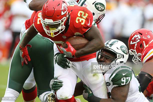 Defensive Lineman Lawrence Thomas of the New York Jets makes a stop against the Kansas City Chiefs on September 25 2016 at Arrowhead Stadium in...