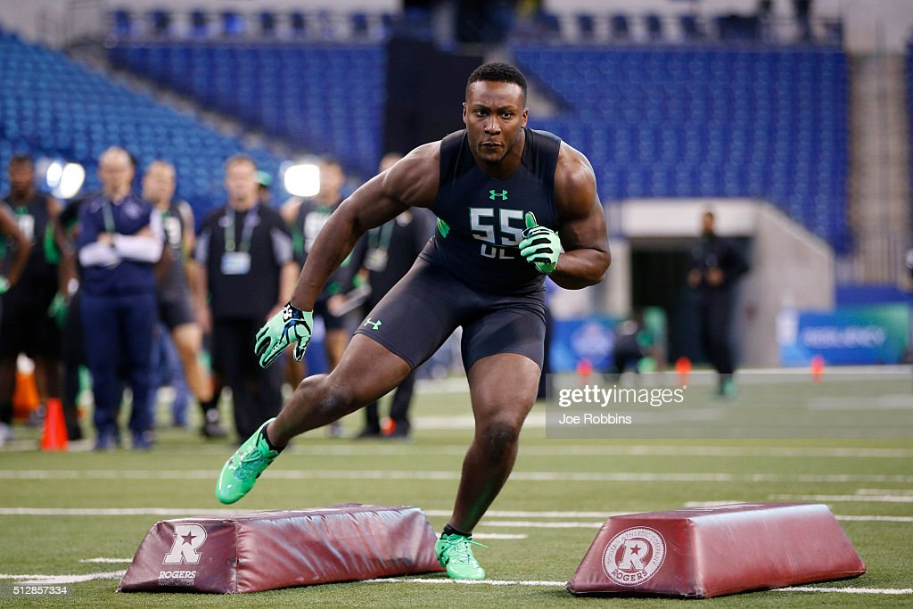 Defensive lineman Noah Spence of Eastern Kentucky participates in a drill during the 2016 NFL Scouting Combine at Lucas Oil Stadium on February 28, 2016 in Indianapolis, Indiana.