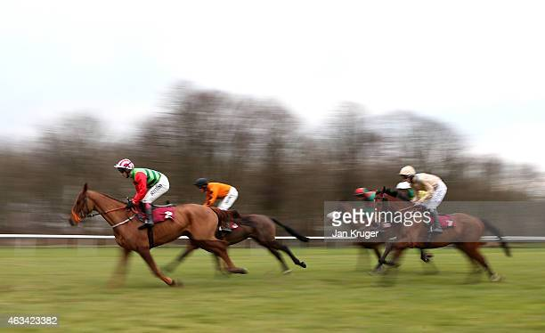Definitly Red ridden by Richard Johnson wins the Albert Bartlett Novices Hurdle Race at Haydock Races on February 14 2015 in Haydock England